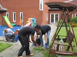 IGT volunteers at work